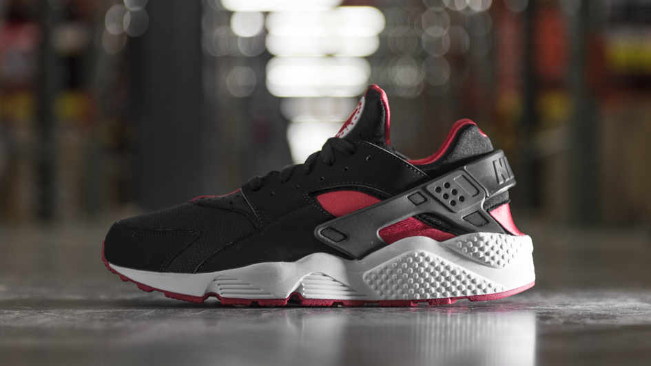 best loved 93d8f 7a5ac Nike Air Huarache Bred (1)