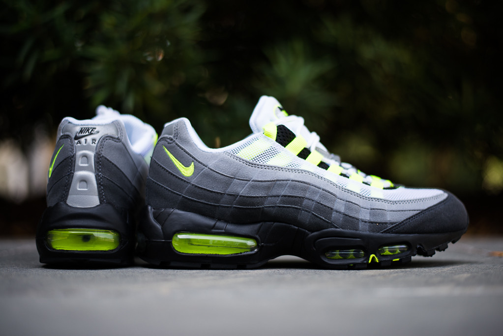 uk availability 129be 922a5 nike air max 95 og neon