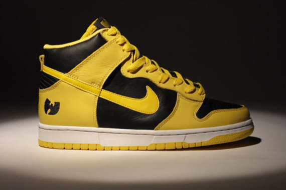 The first run of retro Dunks by the Swoosh also included several original  low-cut colorways. Iowa's 'Goldenrod' Dunk High became insanely popular at  this ...