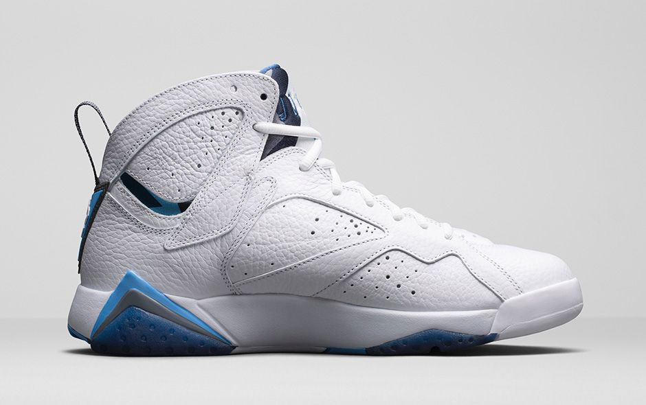 79e3fa0dc4dff An Official Look at the 'French Blue' Air Jordan 7 Retro | Sole ...