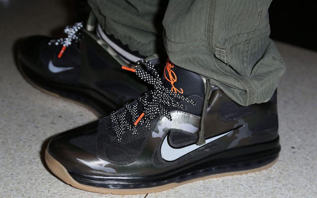 Nike LeBron 9 Low War Vet Sneakers (Black)