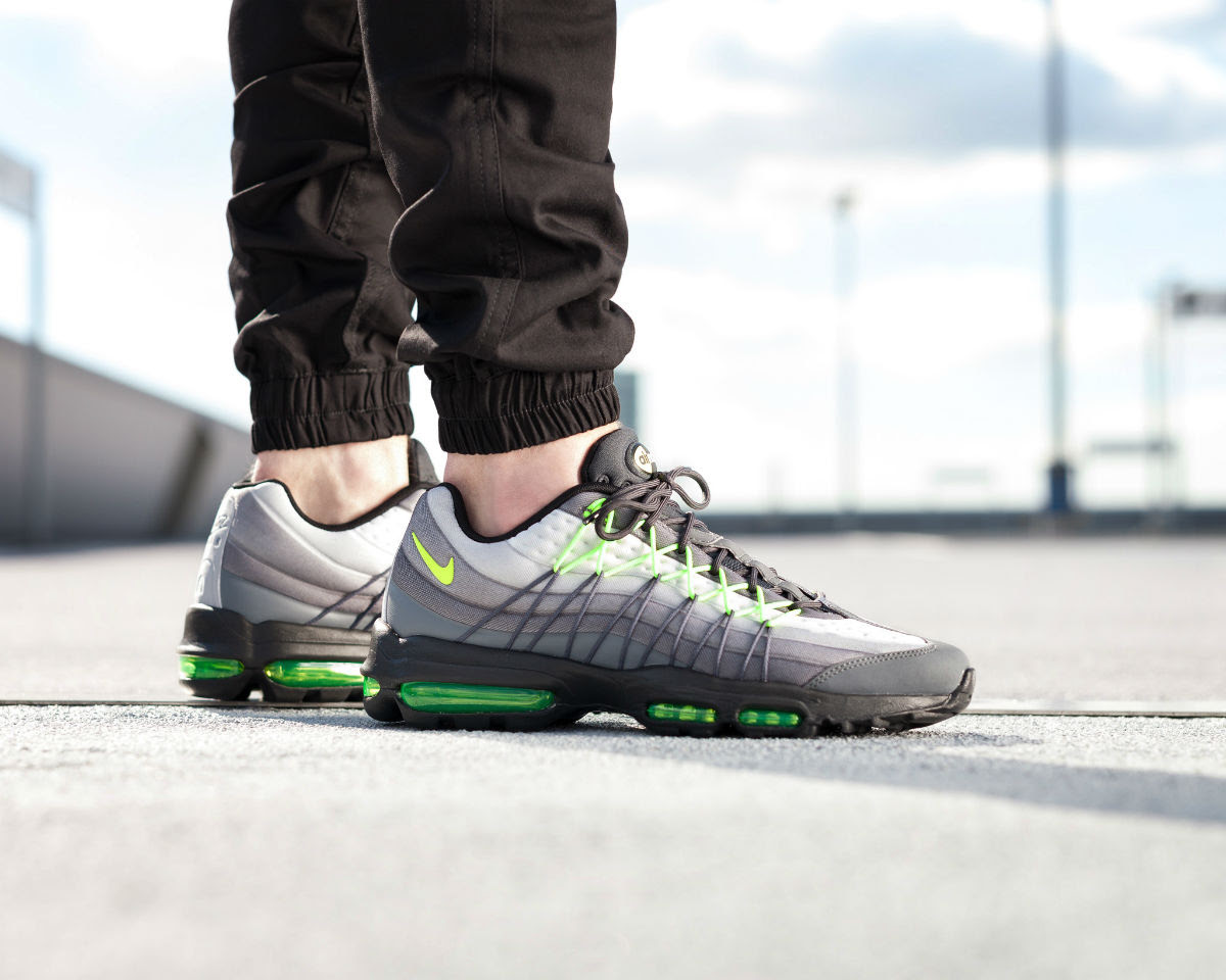 outlet store 61277 c562d ... coupon code for nike air max 95 ultra se neon on foot right side 845033  007
