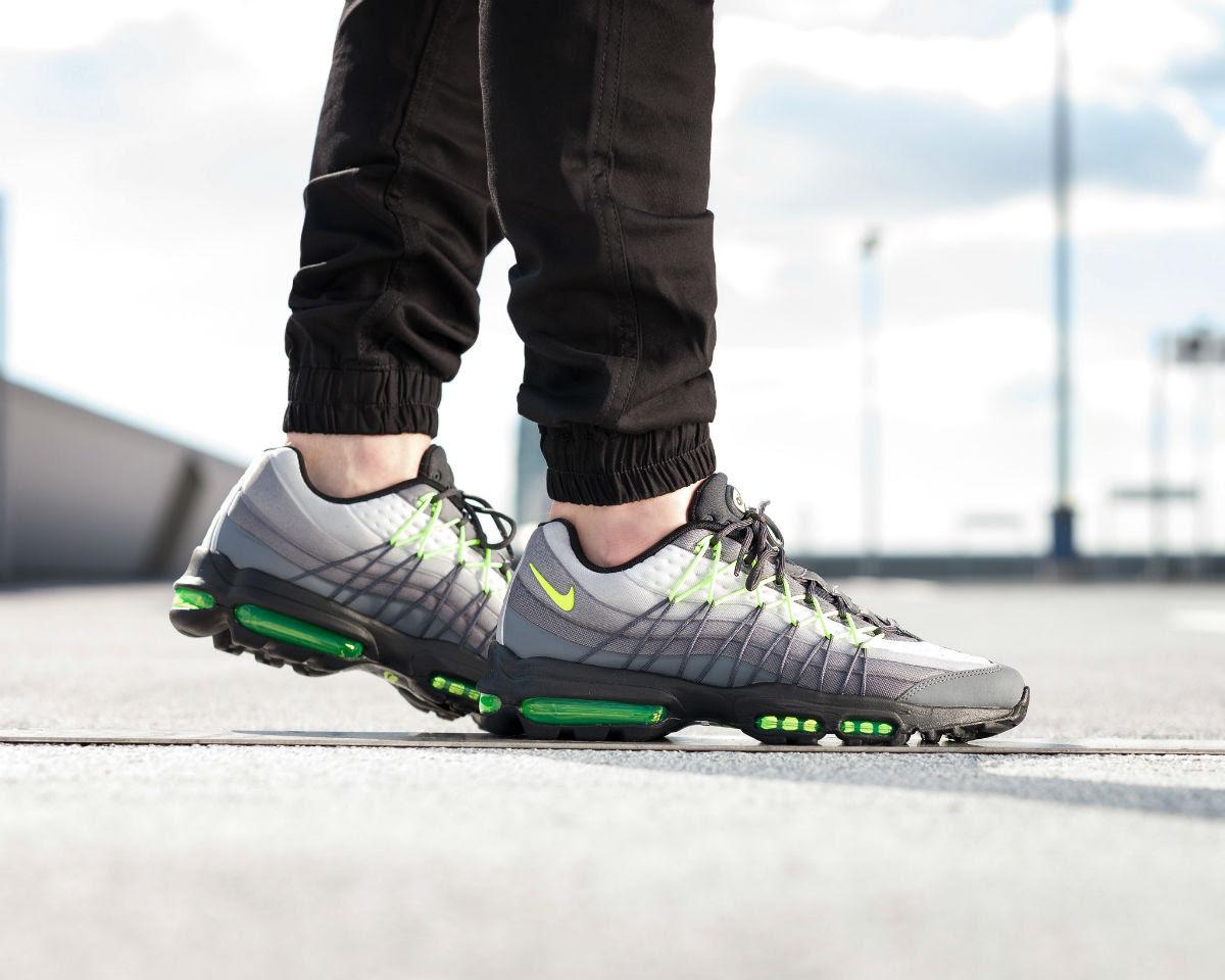 quality design 7fba3 75ef5 ... Nike Air Max 95 Ultra SE Neon On-Foot Left Heel 845033-007 ...