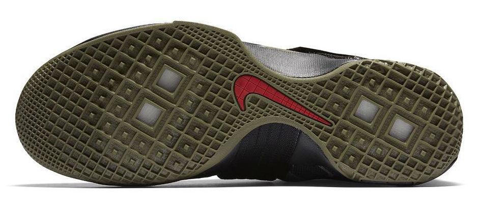 3baf7ac6c29c Nike LeBron Soldier 10 SFG Camo Sole 862970-022