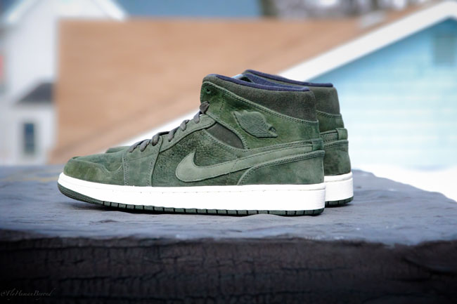 new style be2ef 412ad Air Jordan 1 Mid Nouvaeu in Sequoia Green | Sole Collector