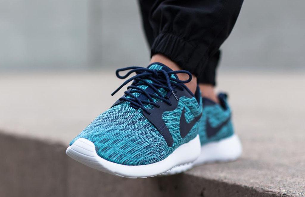 aa1ca120c0c5 Blue Tones Grace the Newest Nike Roshe Run Jacquard