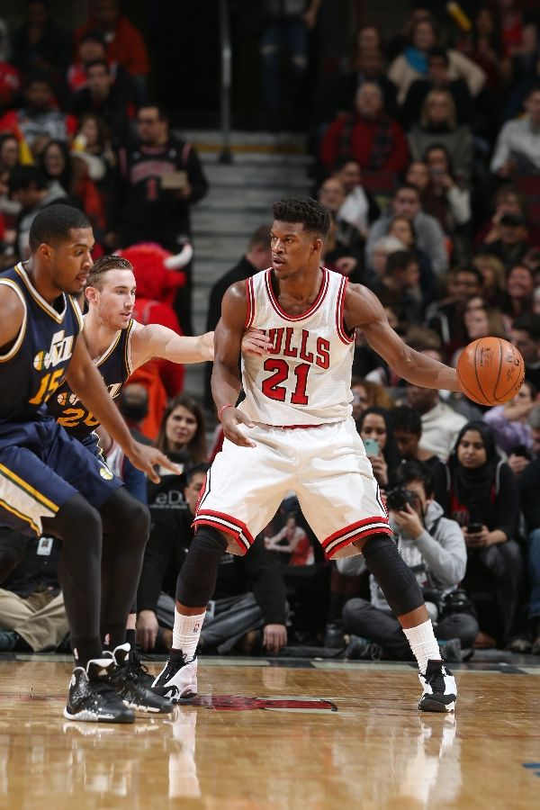 jimmy butler wearing air jordans