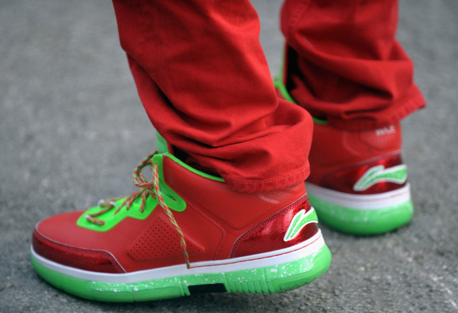 0aaf1712a0a95e Dwyane Wade wearing Li-Ning Way of Wade Christmas (2)