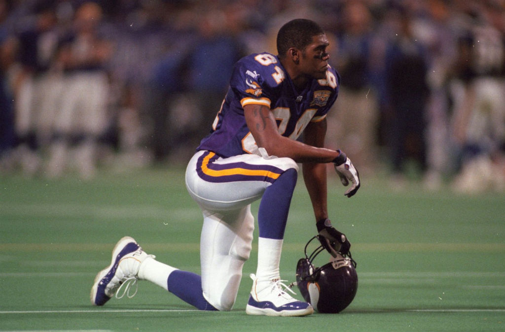 Randy Moss wearing Air Jordan XI 11 Vikings PE (6)