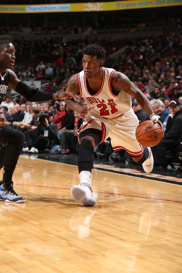 Jimmy Butler wearing Air Jordan XX 20 Laser (3)