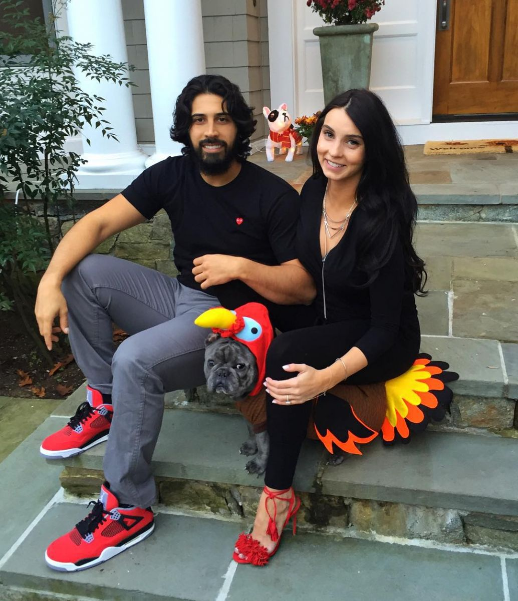Gio Gonzalez wearing the 'Toro' Air Jordan 4