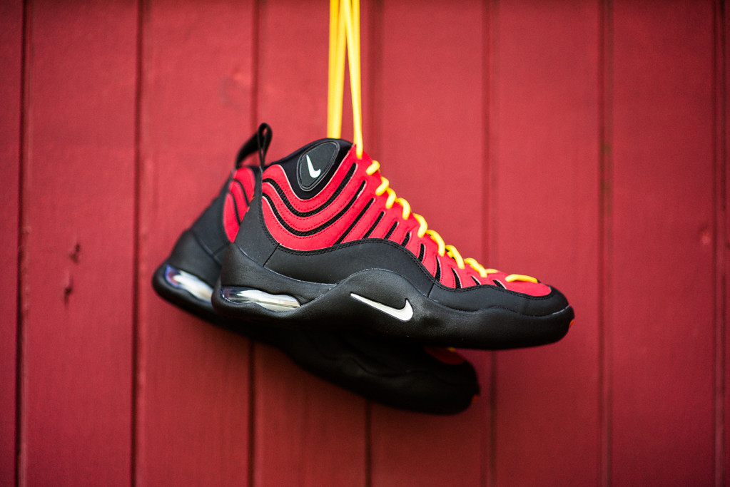 separation shoes 21686 40946 Detailed Look At The Black Red Air Bakin by Nike   Sole Collector