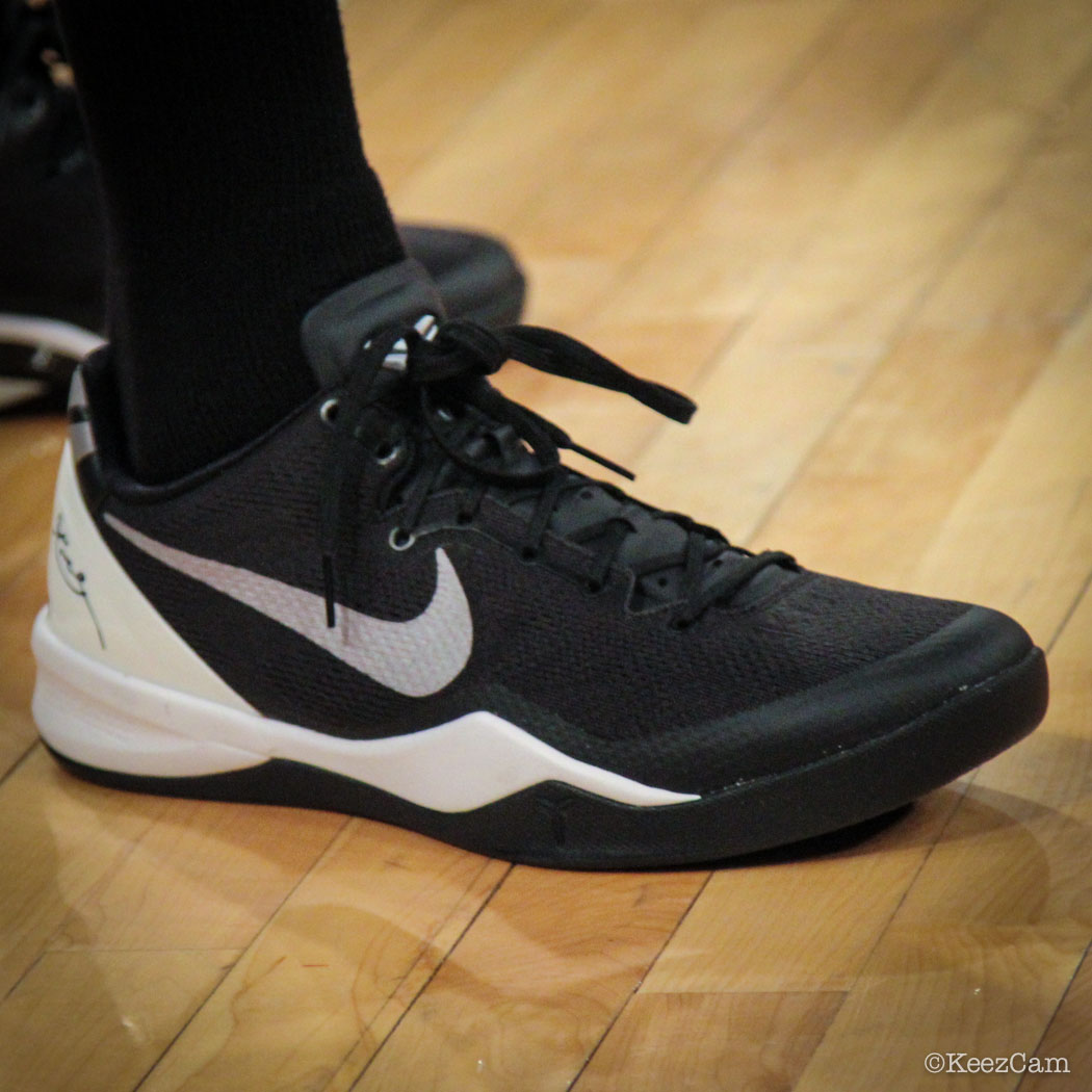 Alonzo Gee wearing Nike Kobe 8 System Black