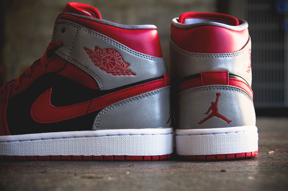 air jordan 1 retro mid fire red