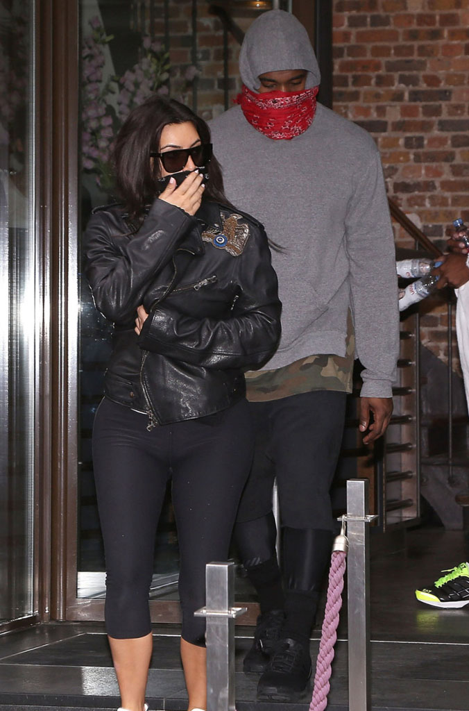 Kanye West wearing adidas ZX Flux Blackout (5)