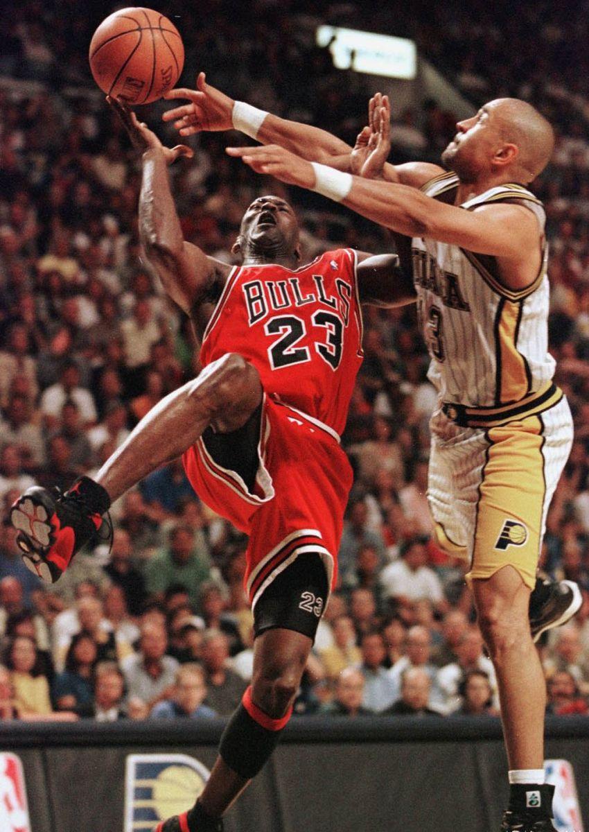 Flashback // Michael Jordan in the Air Jordan XIII Black ...