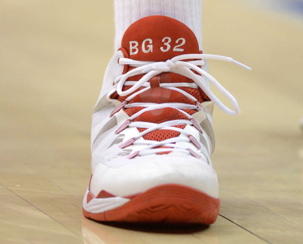 Blake Griffin wearing Jordan Super.Fly 2 White/Red PE
