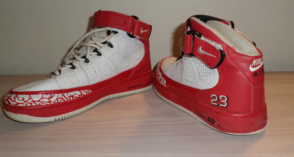 32aa100e6a714e The 10 Worst Fake Sneakers on eBay Right Now