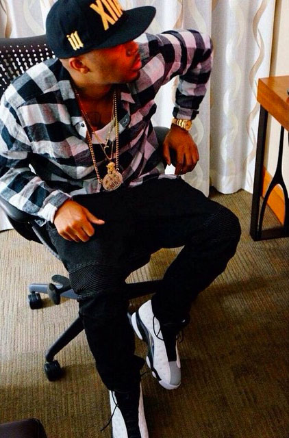 Nas wearing Air Jordan XIII 13 Barons