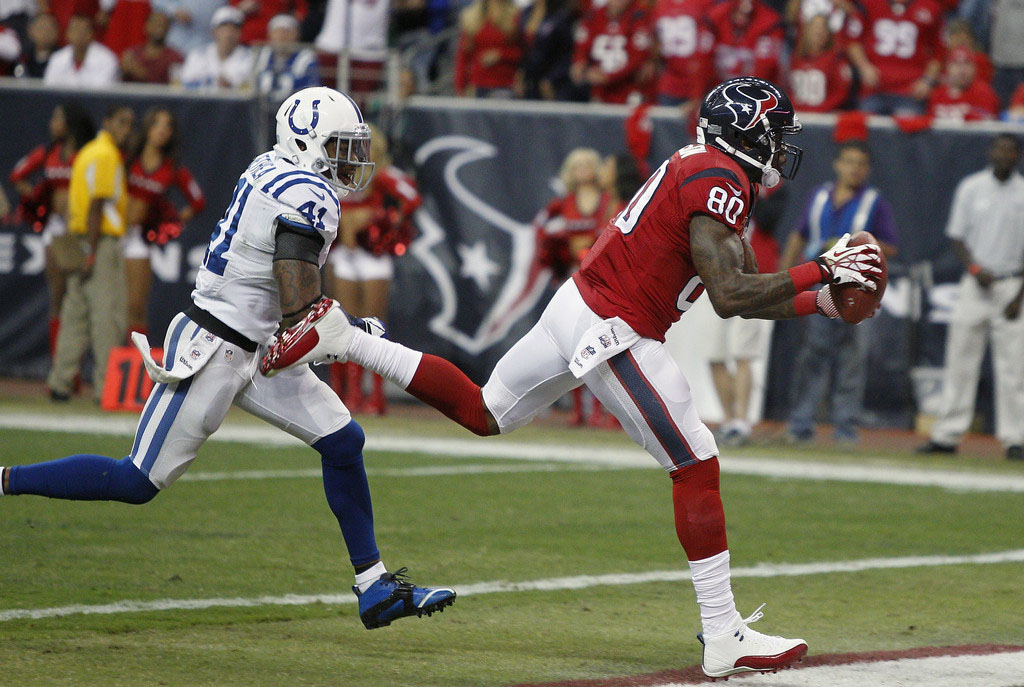 Andre Johnson Wearing Air Jordan 12 XII White/Red PE Cleats (7)
