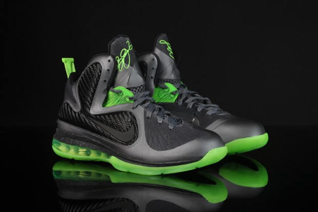 b94033270fa2 The LeBron 9 version of the Dunkman was once again available as a general  release.