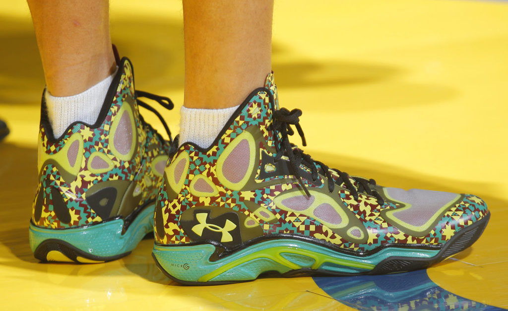 Stephen Curry wearing Under Armour Anatomix Spawn BHM PE