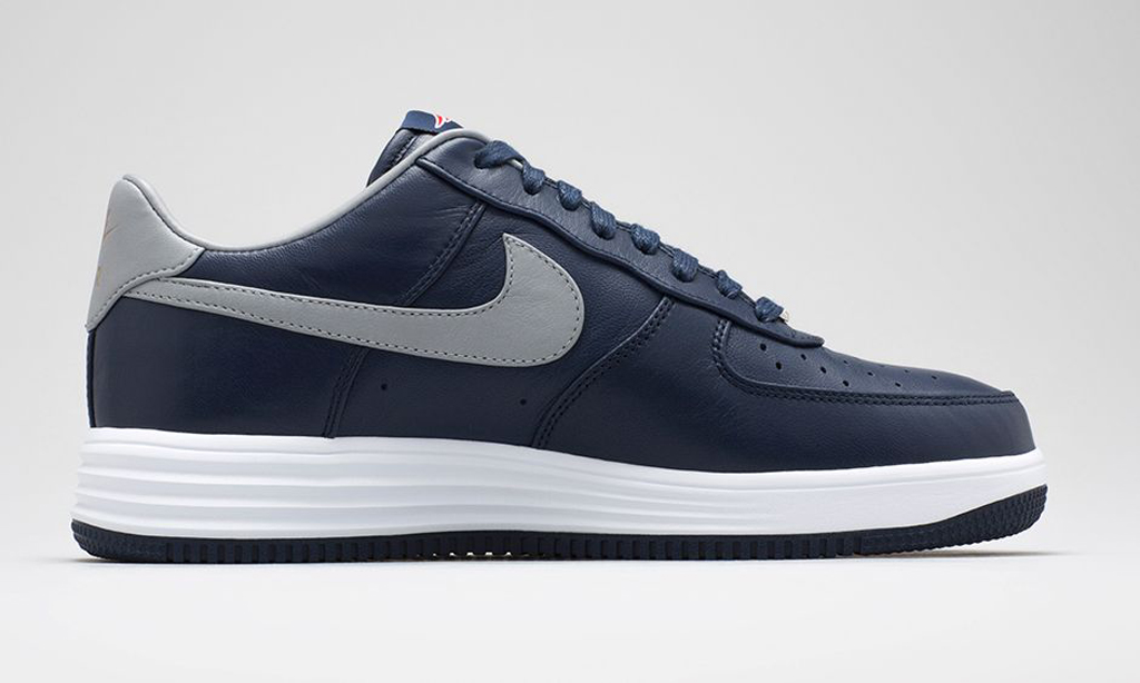 official photos 7a2f9 7659e Nike Lunar Force 1s For The New England Patriots. Nike shows love ...