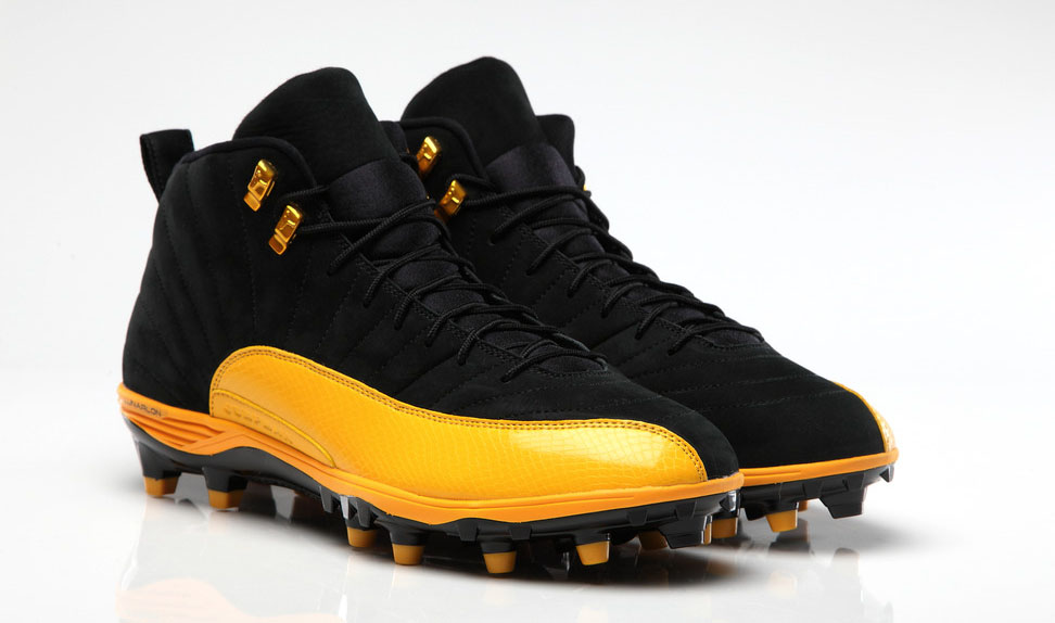 LaMarr Woodleys' Air Jordan 12 XII Steelers PE