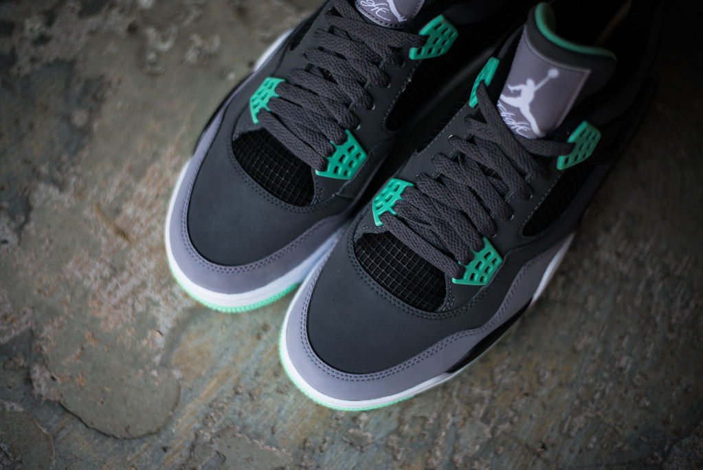 856bc32d28ea Detailed Look    Air Jordan 4 Retro - Green Glow