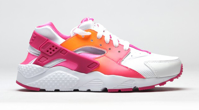09cce779665d Nike Air Huaraches Aren t Getting Any Less Colorful