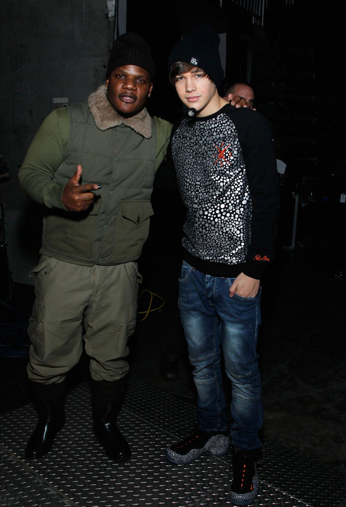 Austin Mahone wearing Nike Air Foamposite One Safari