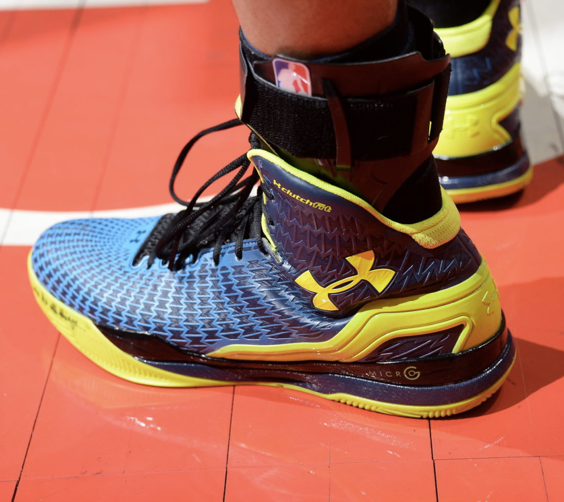 b188331ecb0 Stephen Curry Debuts Under Armour ClutchFit Drive In NBA Playoffs ...