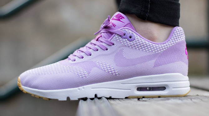 nike air max purple and pink sole