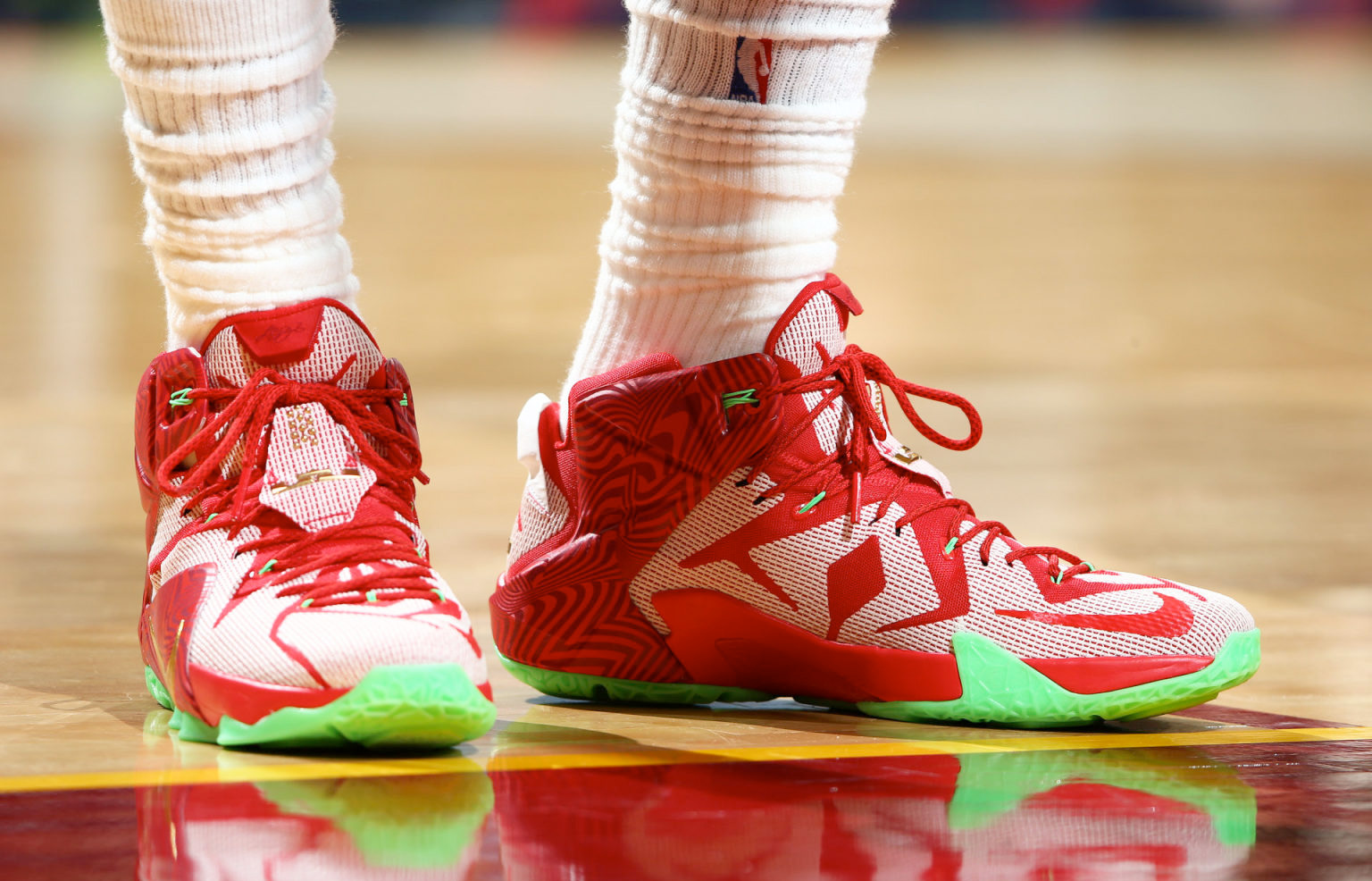 LeBron James Debuts His New \u0026#39;Sprite\u0026#39; Sneakers