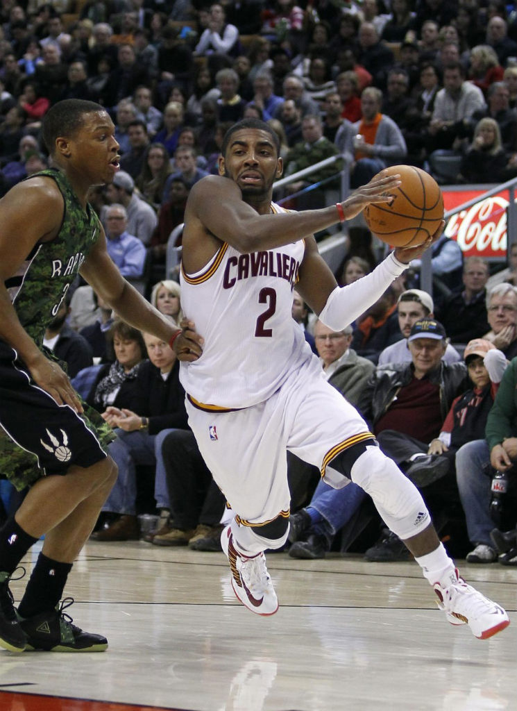 Kyrie Irving Hits Game-Winner in Nike Lunar Hyperdunk 2012 Home PE (3)
