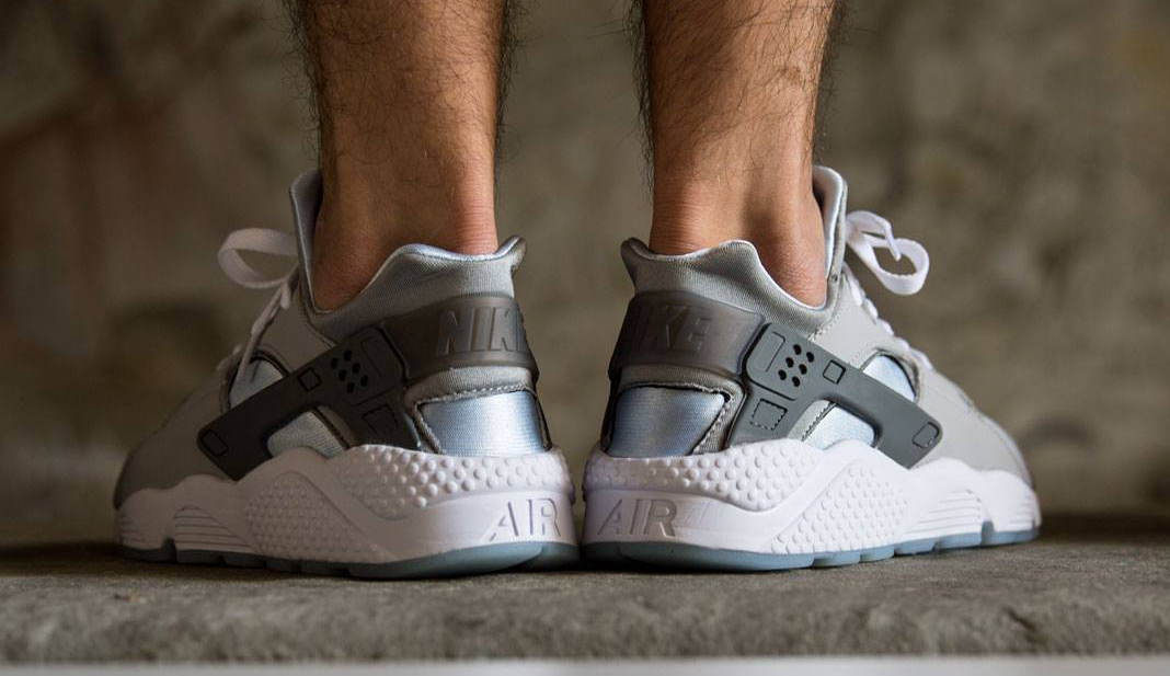 on sale 25271 c4e15 ... where can i buy triple white huarache on feet womens nike zoom 2a01d  a1d44