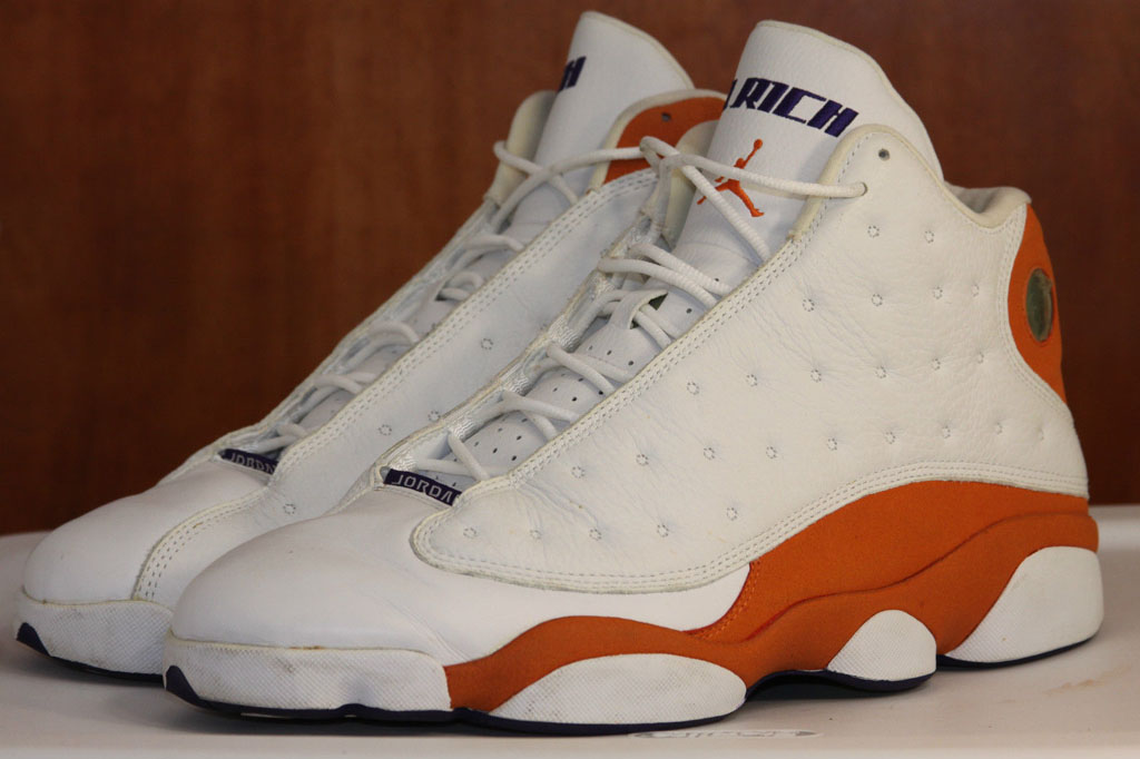 Quentin Richardson wearing Air Jordan XIII 13 Phoenix Suns Home Orange PE (2)