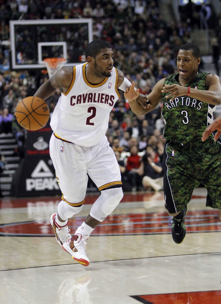 Kyrie Irving Hits Game-Winner in Nike Lunar Hyperdunk 2012 Home PE (4)