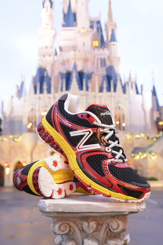 runDisney x New Balance 860v3 Mickey Mouse (2)