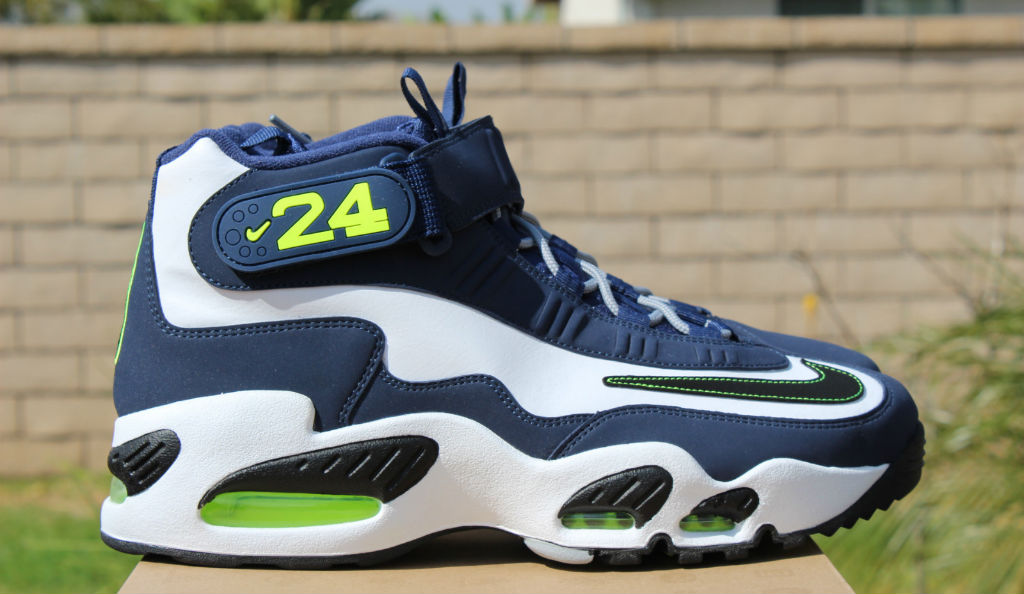 6b85fcdb64d4f4 Nike Air Griffey Max 1 White Black Midnight Navy Stealth 354912-102 (1).  words    Brandon Richard. Ken Griffey Jr. s ...