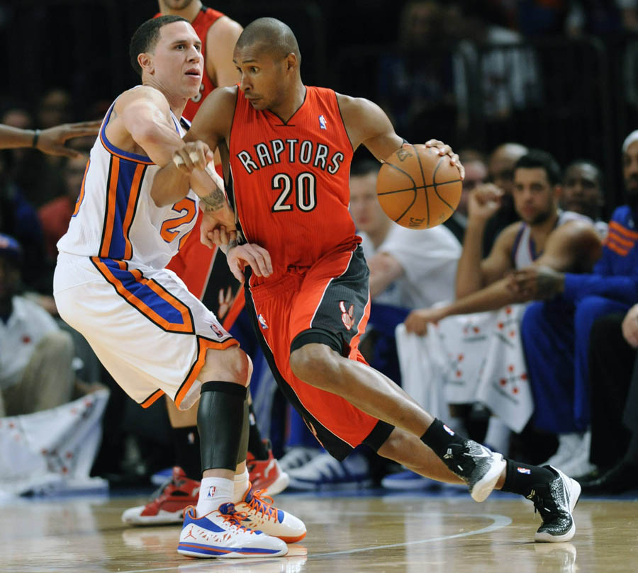 Jordan CP3.V Mike Bibby Knicks PE Home (2)
