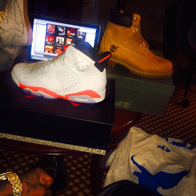 Soulja Boy Picks Up Air Jordan VI 6 White/Infrared, Timberland 6-Inch Wheat