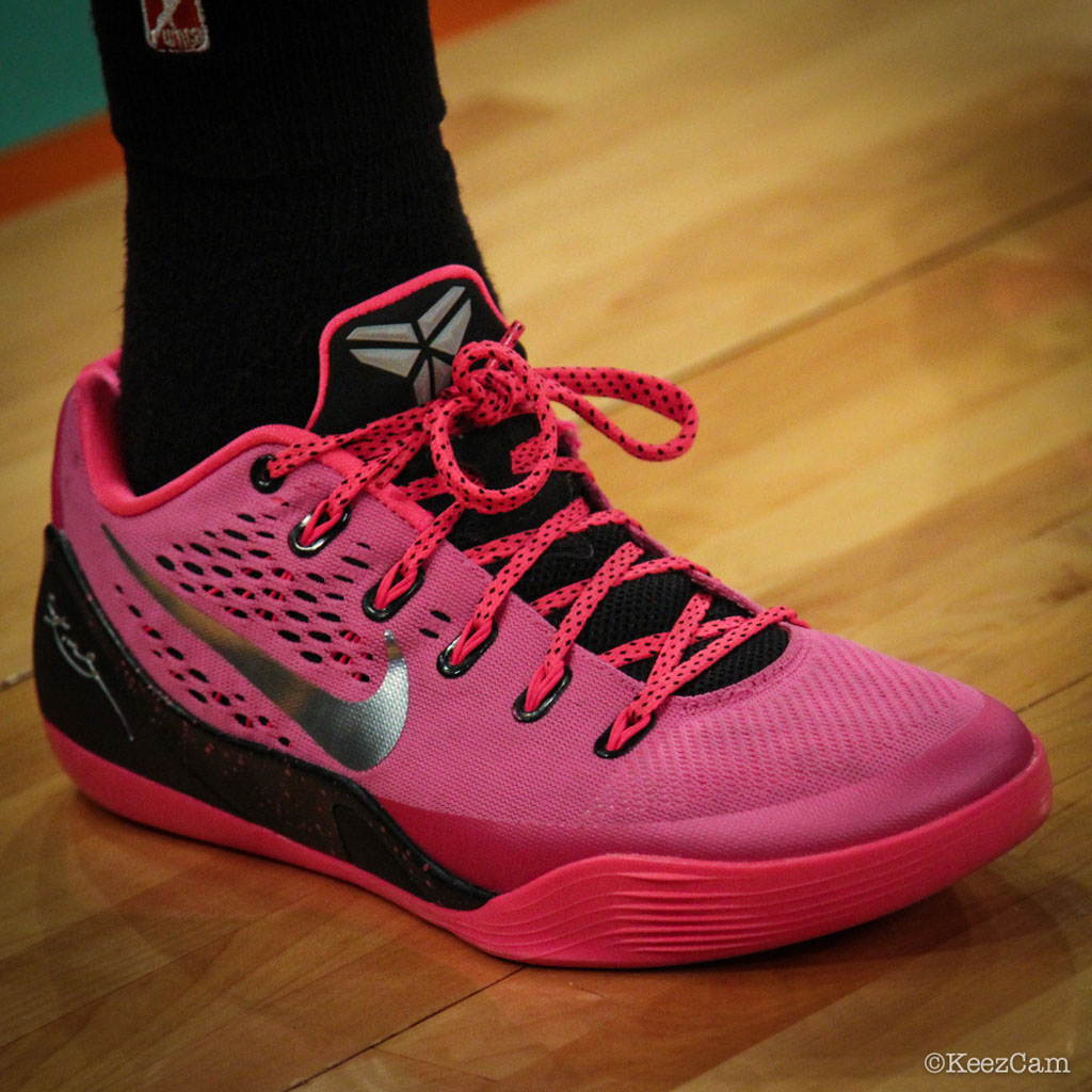 competitive price 10350 e84ad Nike Kobe IX 9 EM Kay Yow Breast Cancer Awareness (3)