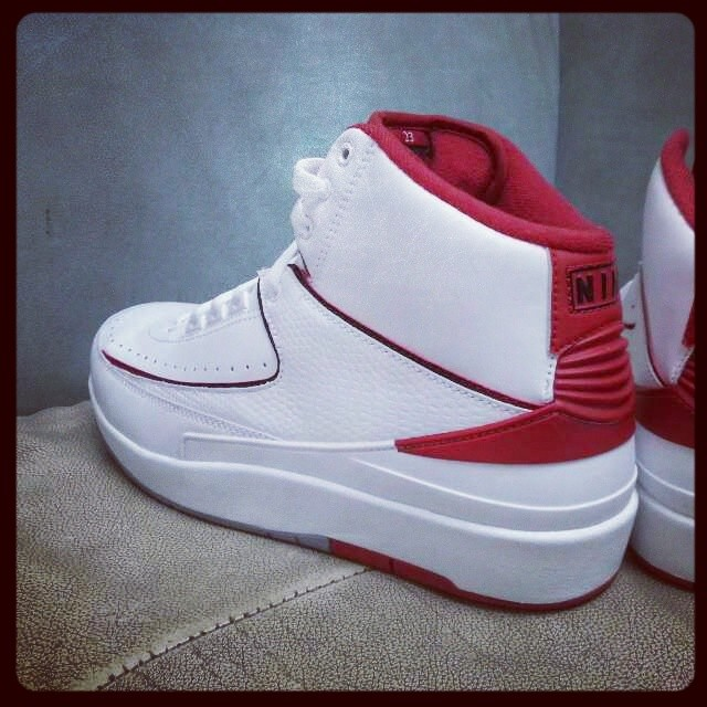 buy online 0df18 6940c Air Jordan 2 Retro White Varsity Red Neutral Grey 385475-102 (2)