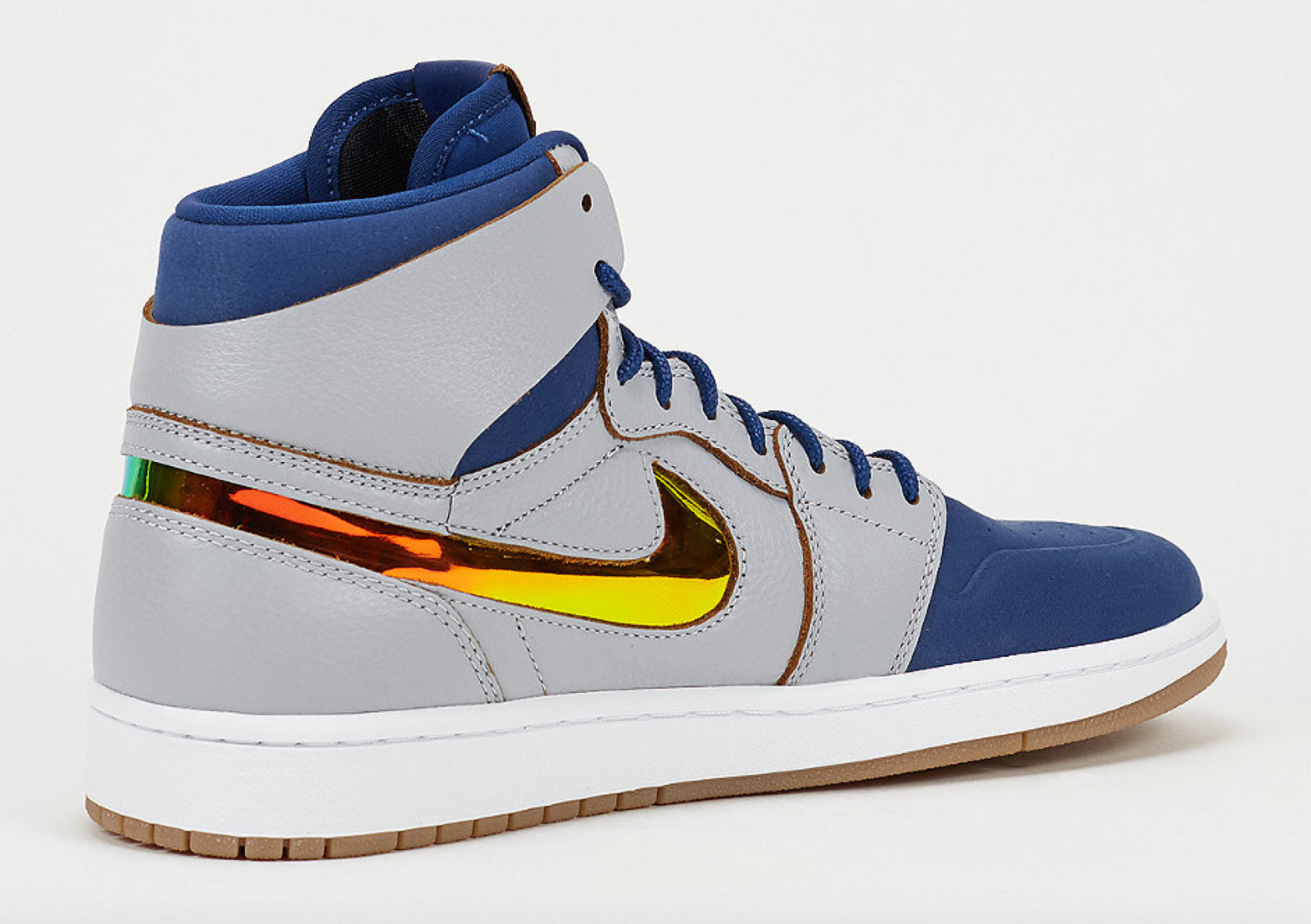 the latest fed03 d78e1 The Air Jordan 1 Nouveau Dunks From Above | Sole Collector