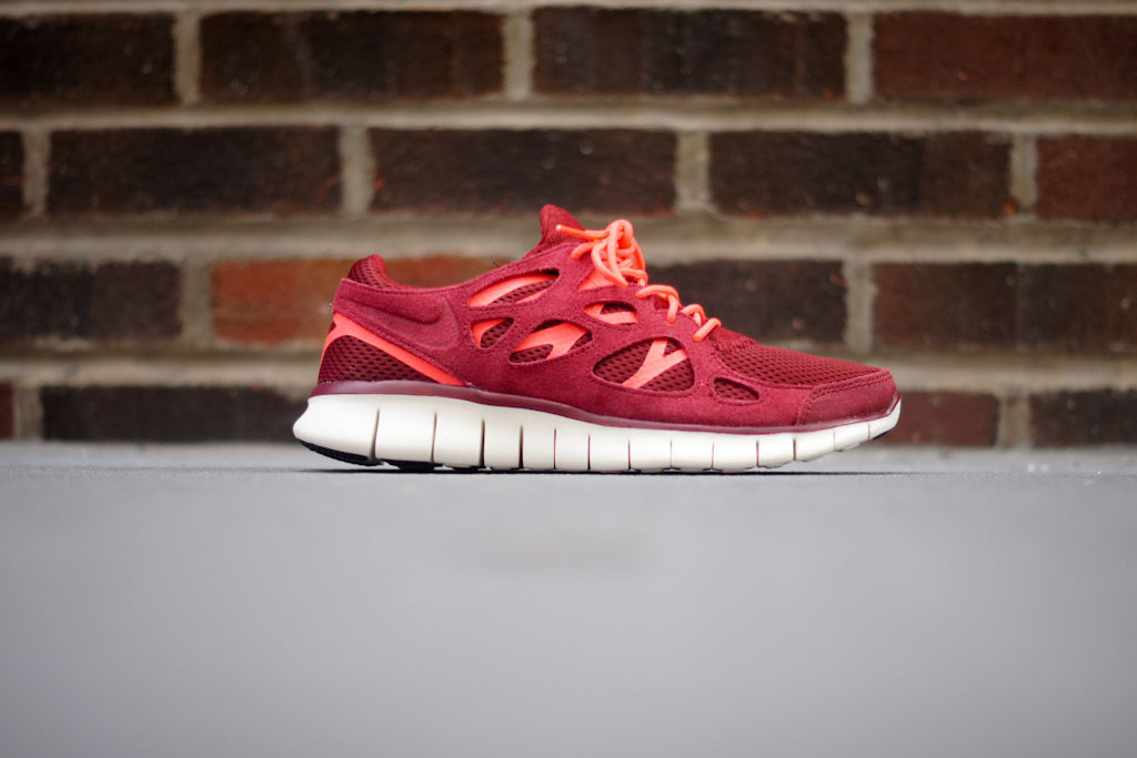 ... Nike Free Run+ 2 - Team Red Mortar - Atomic Red ...
