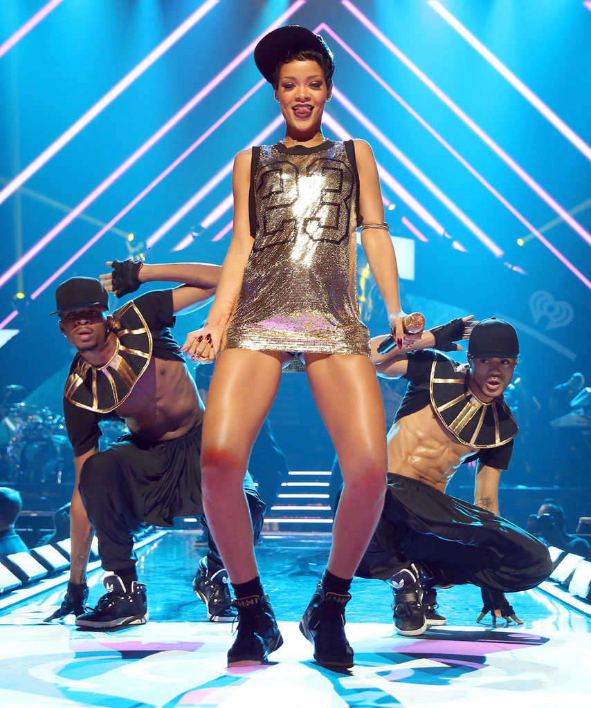 Rihanna wearing Air Jordan VII 7 Golden Moments GMP (4)