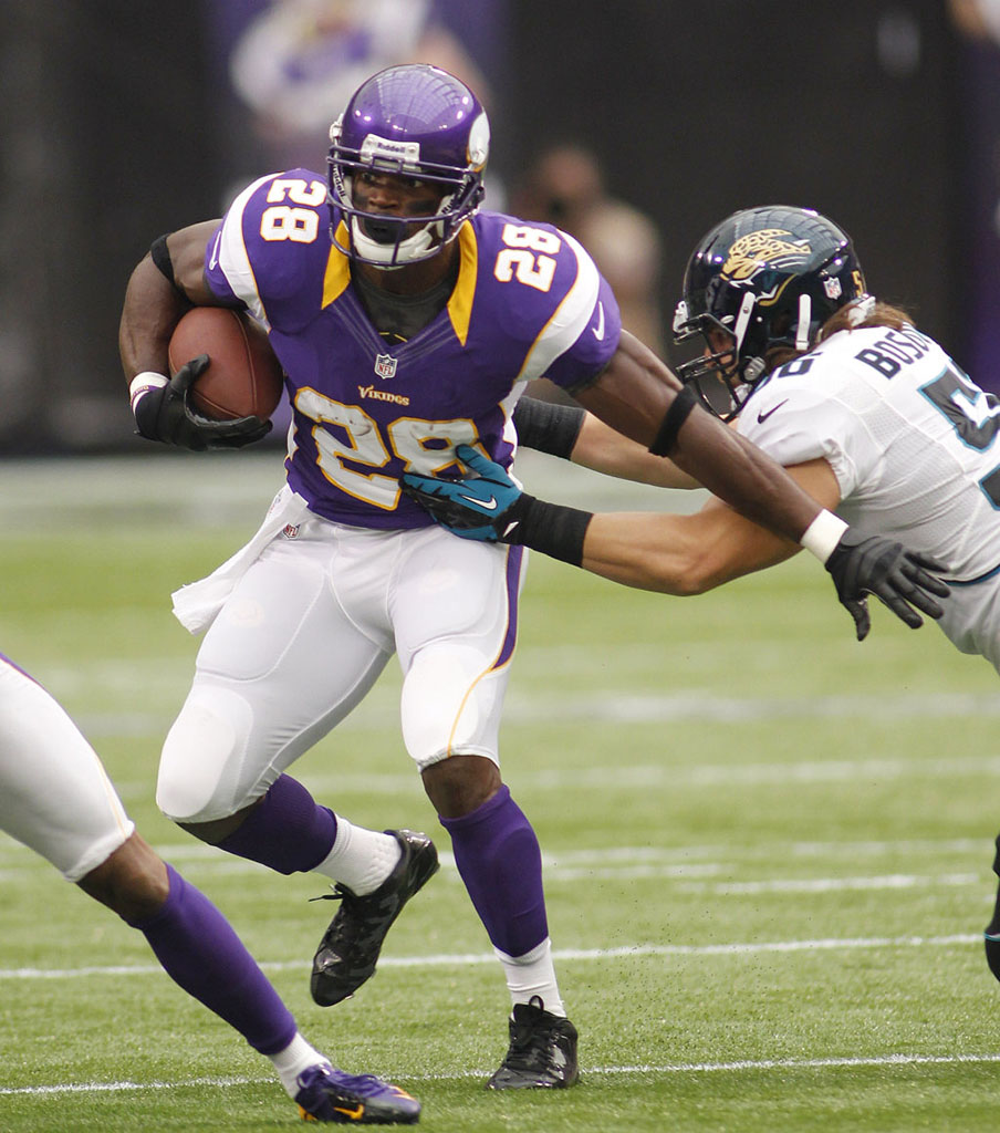 Adrian Peterson Returns to the Field in adidas adiZero 5-Star Mid (3)