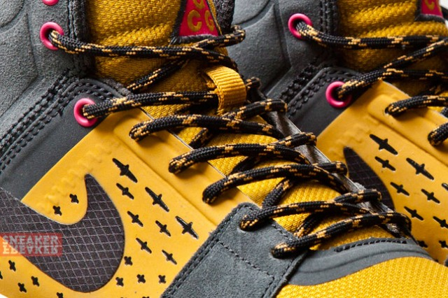 Nike ACG Air Alder Mid Gold Anthracite details