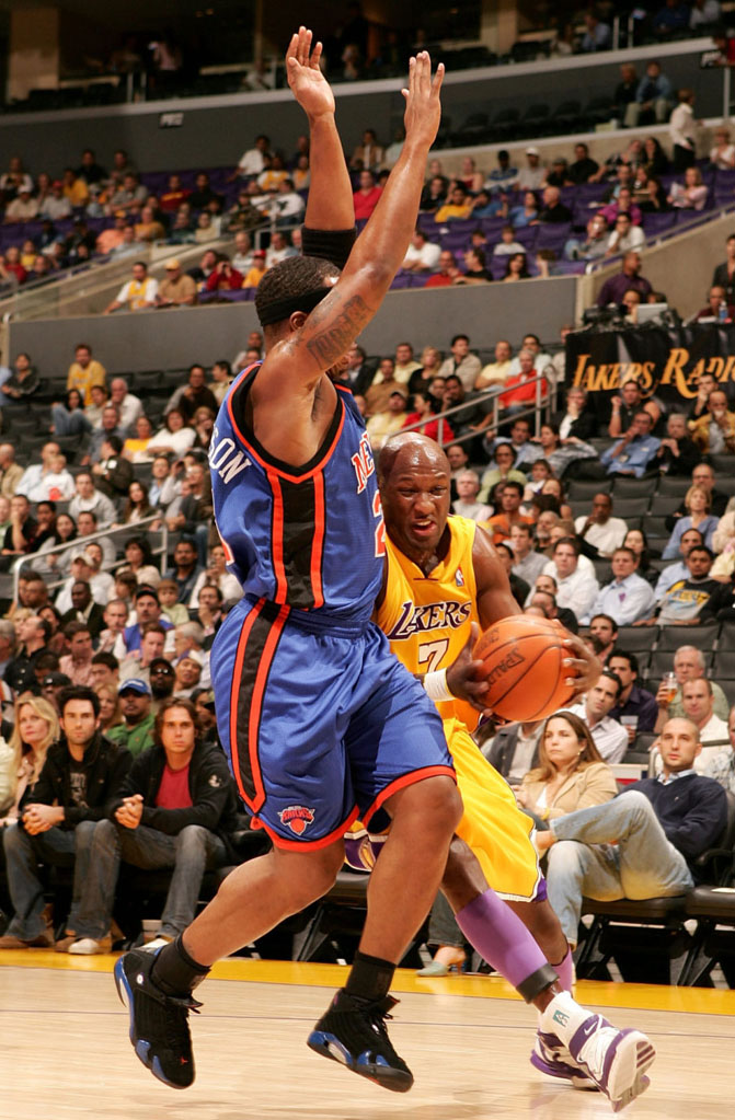 Quentin Richardson wearing Air Jordan XIV 14 New York Knicks Away PE